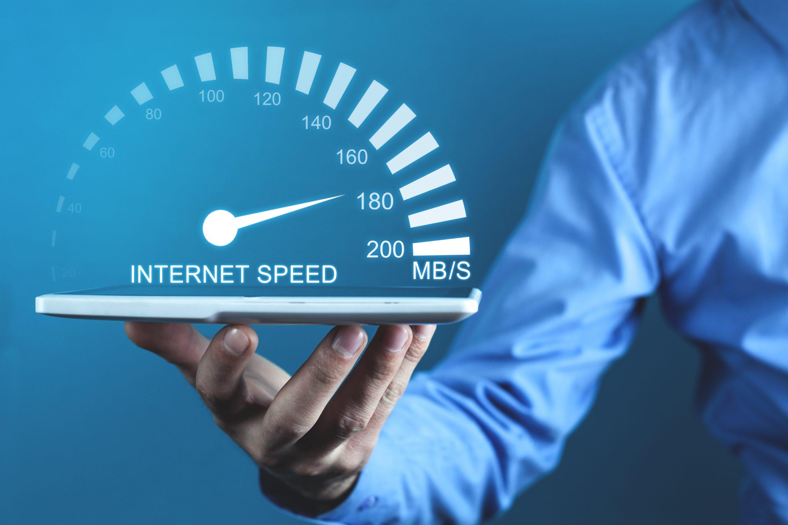 Speed test – jak czytać parametry prędkości Internetu?